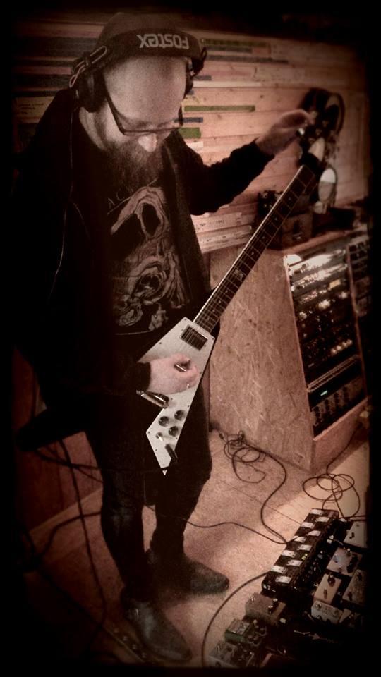 Nocte_Gitarrist