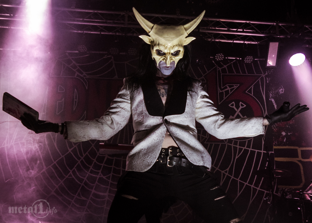 Cover - Wednesday 13
