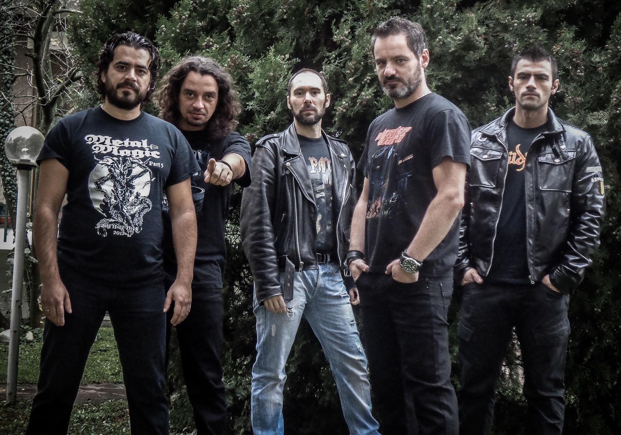 Ein Bandforo der Heavy-Metal-Band Dexter Ward