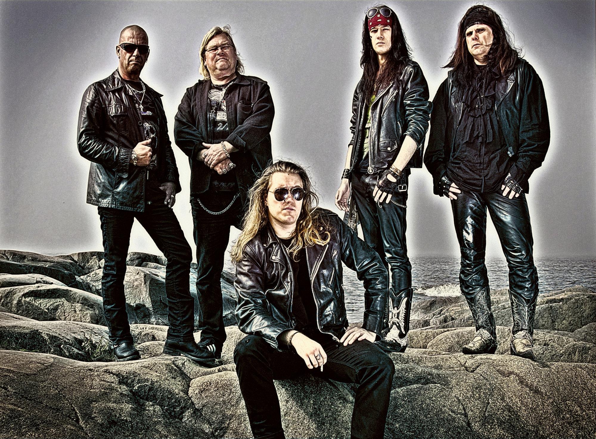Ein Foto der Heavy-Metal-Band Oz