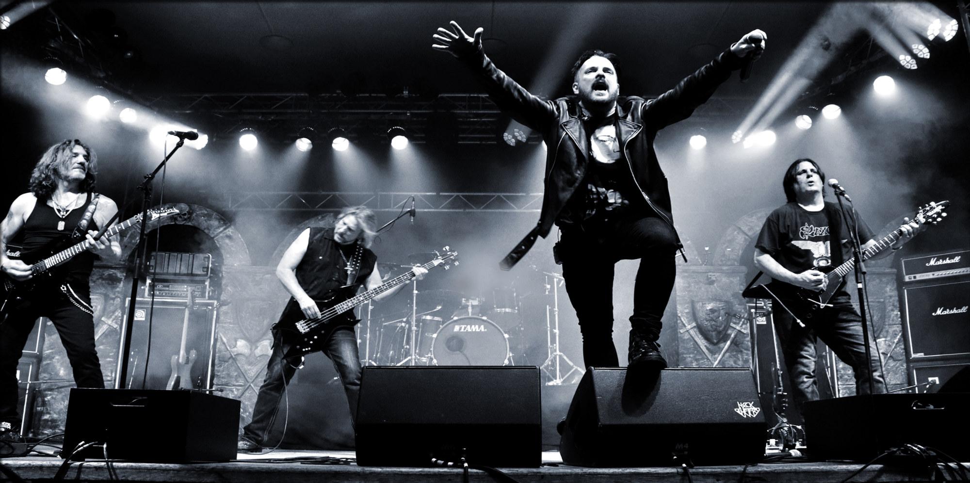 Ein Live-Foto der Band Hittman.